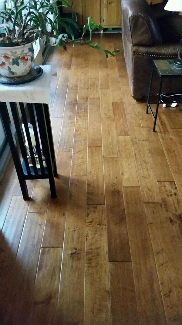 Dealer Amazing Hardwood Floors