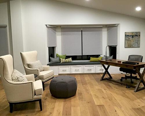 Ventura-Sandal-Livingroom