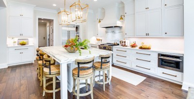 Hallmark Floors - Novela - Eliot (Hickory) - Transitional Kitchen Design - Toulmin Cabinetry - Jay Young