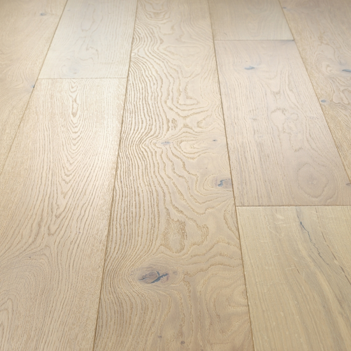 Laguna, Oak, Hardwood from the Alta Vista hardwood flooring collection by Hallmark Floors.