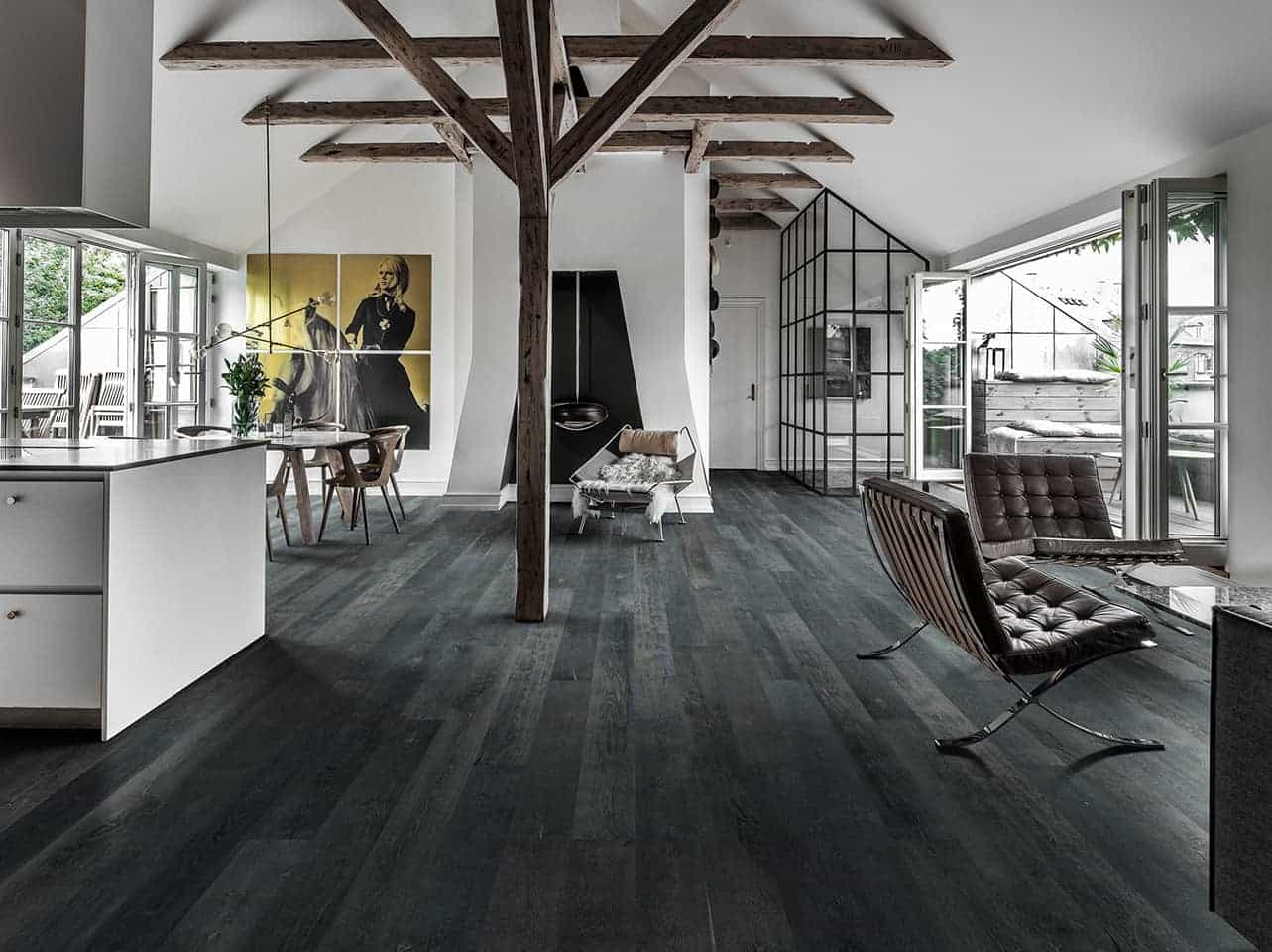 Welcome to Hallmark Floors! The True Mark of Quality in flooring. Leading in hardwood and waterproof flooring innovation, fashion and design for over ten years.