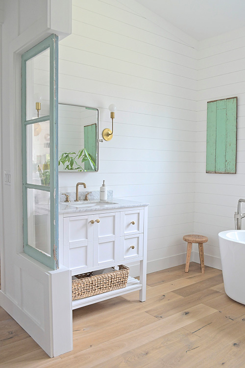 Farmhouse Design Inspiration – Farmhouse bathroom vanity design and decor. this farmhouse was designed by Michelle Wood from My Sanctuary Style. Flooring is Alta Vista hardwood.